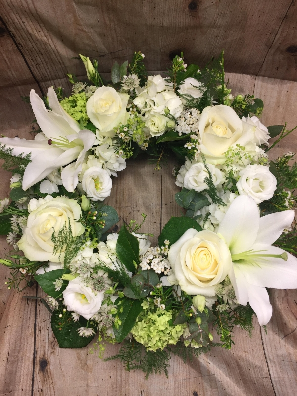 Wreath Classic Whites and Greens
